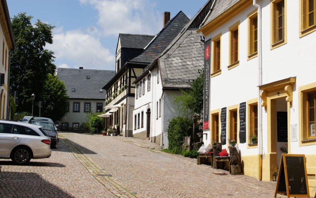 Stadtspaziergang mit Einblicken in einzelne historische Gebäude
