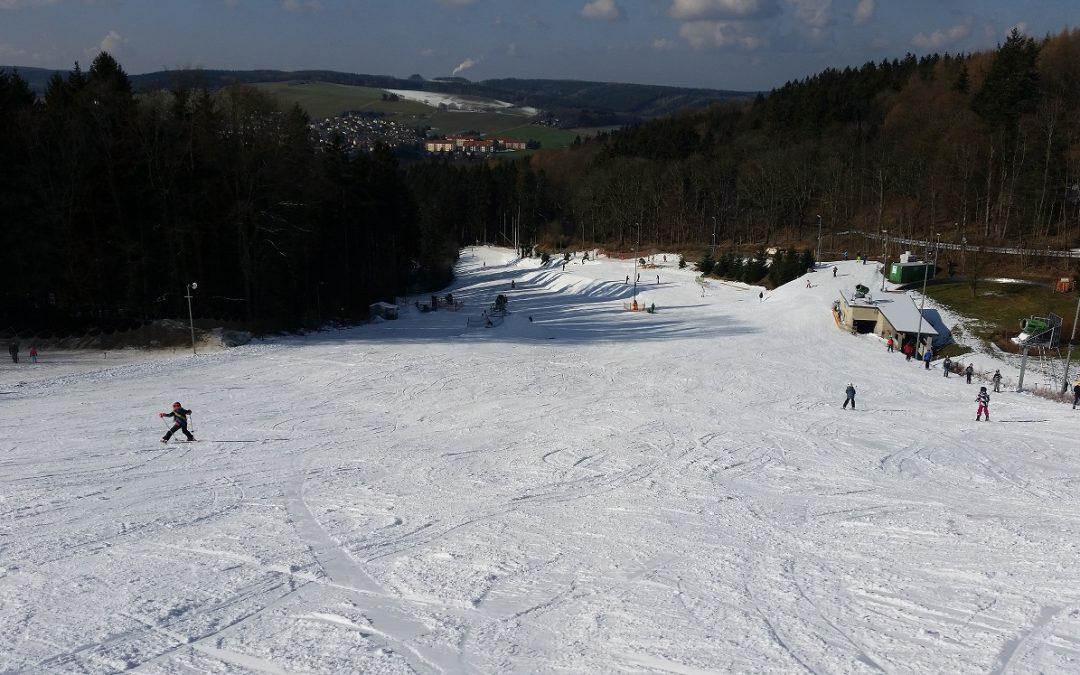 Skifahren trotz frühlingshafter Temperaturen