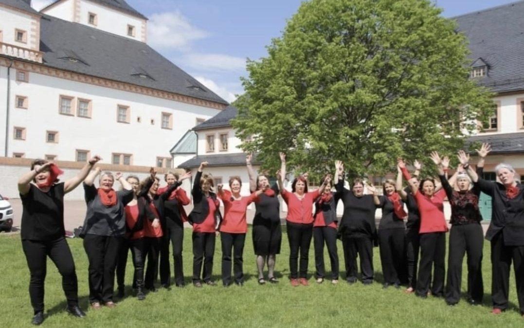 Offenes Singen – mit Geburtstagsständchen für die Schlosslinde